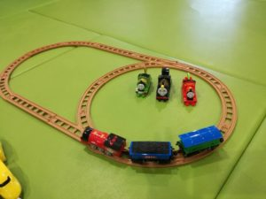 プラレールやトーマスのプラスチック電車